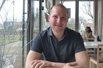 Curling je jedním z olympijských sportů. Více jsme si o něm povídali s Kamilem Feitlem, členem jediného místního týmu. Vyzpovídali jsme ho v českobudějovické Kavárně LANNA.