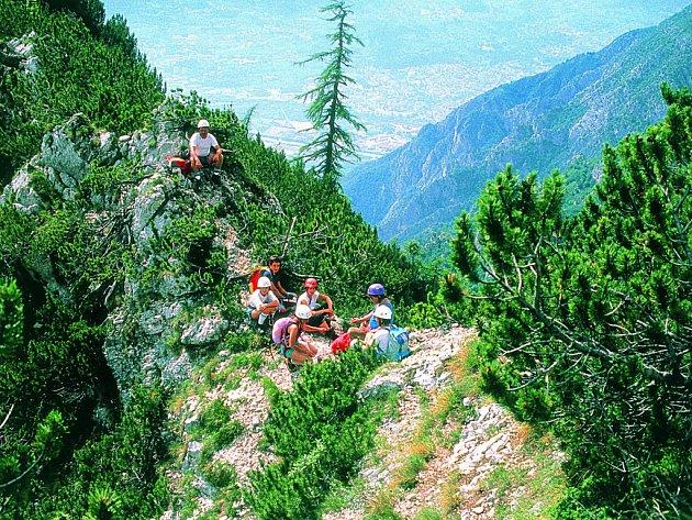 Čeští turisté rádi cestují do neobvyklých destinací. Zdolávají velehory, oceány, džungle, pouště i ledovce.