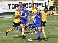 Petr Javorek atakuje vlašimského Kučeru.