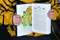 Felix z Dobré Vody má v knize J. K. Rowlingové Ikabox ilustraci hned jako první.