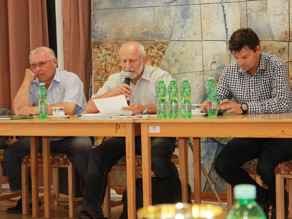 Losovací aktiv OFS České Budějovice se tentokrát konal v Nerudově ulici v sále ISŠ stavební.