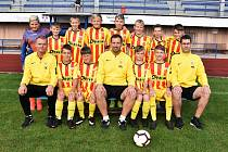 Fotbalová třináctka Junioru Strakonice je po neúplné podzimní části sezony v čele ligy mladších žáků.
