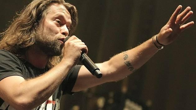 Skupina Kryštof v čele s Richardem Krajčem zahájila své klubové turné na jihu Čech. Má vyprodáno, ve Strakonicích zmizely lístky měsíc a půl před koncertem.