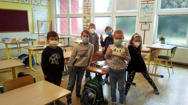 Do škol se vrátily i děti v Horní Stropnici.