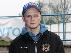 Odchovanec Českých Budějovic Jáchym Kondelík byl na MS hokejistů do 18 let vyhlášen jedním ze tří nejlepších Čechů v turnaji. Národní tým vyřadili ve čtvrtfinále Finové.