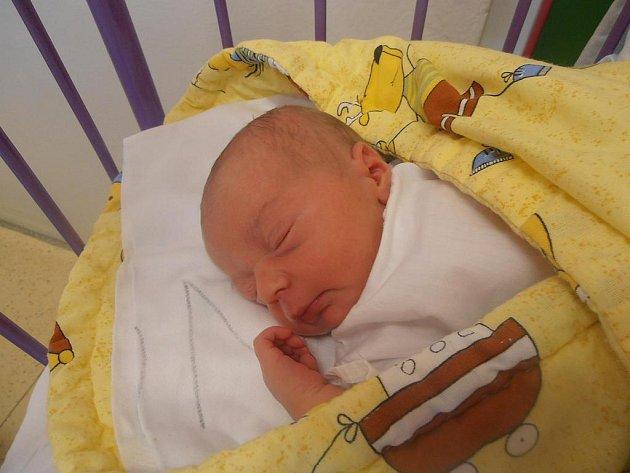 Zuzana Kmínková se narodila v českobudějovické porodnici v pondělí 22.8.2011 v 16 hodin a 33 minut. Porodní váha malé Zuzanky byla 3,70 kg. Domovem jí budou rovněž České Budějovice.