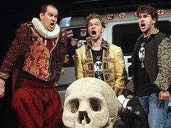 Komedie Shakespeare ve 120 minutách.