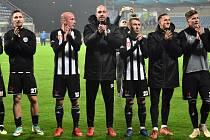 Ve II. lize fotbalisté Dynama (na snímku se radují po výhře v minulém kole s Jihlavou) hrají ve Varnsdorfu a Táborsko jede do Sokolova, ven míří v ČFL i Písek, takže šlágrem fotbalového víkendu v kraji bude sobotní divizní derby Soběslav - Čížová (14).