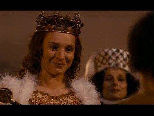 Lenka Krobotová vroli královny.