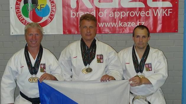V týmech Jiří Faktor, Martin Hermann a Martin Sláma získali v belfastu zlatou medaili.