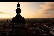 Pohled na Budějovice s dominantou Černou věží, takový je jeden ze záběrů nového spotu o krajském městě jižních Čech.