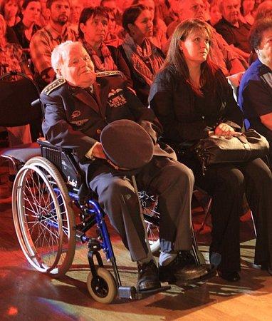 Milan Malý se zúčastnil vroce 2011koncertu vbudějovickém Metropolu, jehož výtěžek byl určen na stavbu památníku válečným letcům vkrajském městě.