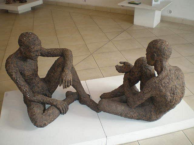 Práce studentů střední keramické školy v Bechyni vystavuje do 2. února vltavotýnská galerie U Zlatého slunce.