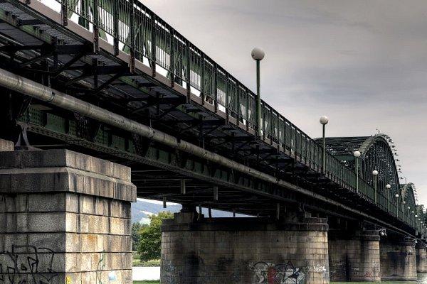 Oosudu mostu budou hlasovat.