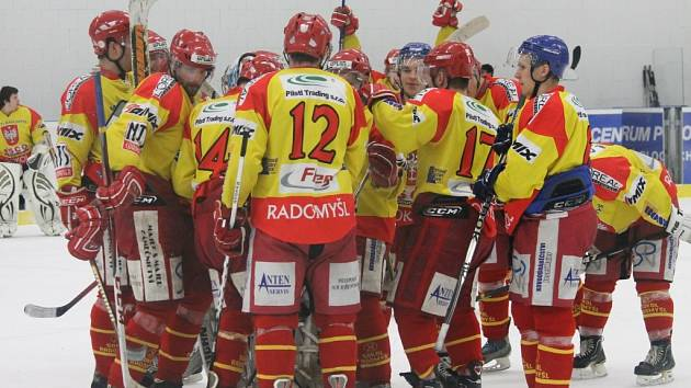 David servis ČB doma podlehl v prvním semifinále Radomyšli 2:3.