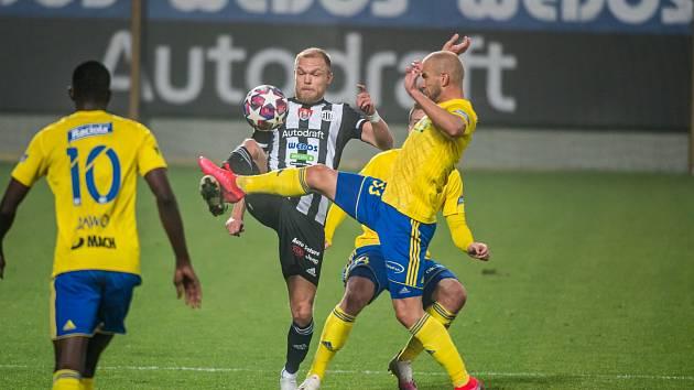 Debut v dresu Dynama v zápase proti Zlínu absolvoval Mick van Buren.