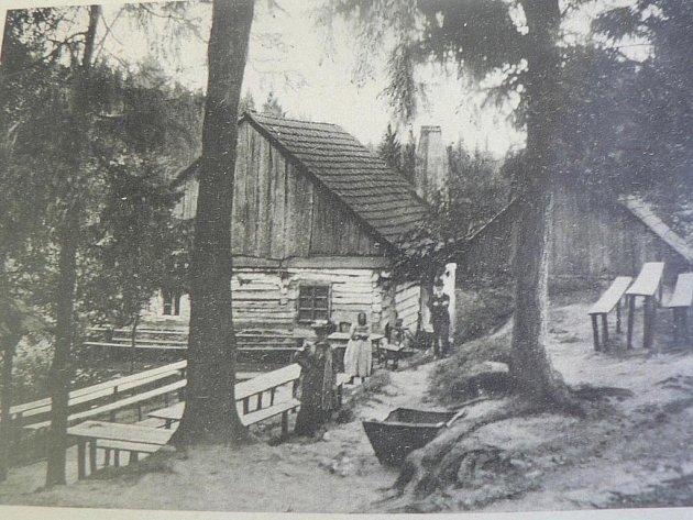 Někdejší chata v Českém Švýcarsku u Českých Budějovic.