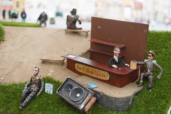 VTřeboni začal 5.května Anifilm, mezinárodní festival animovaných filmů. Na snímku příprava animací na náměstí od skupiny Kreus.