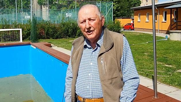 Zlatou medaili vybojovali přesně před padesáti roky. Vzpomínají na ni dodnes. Trenér Ivan Křešnička.