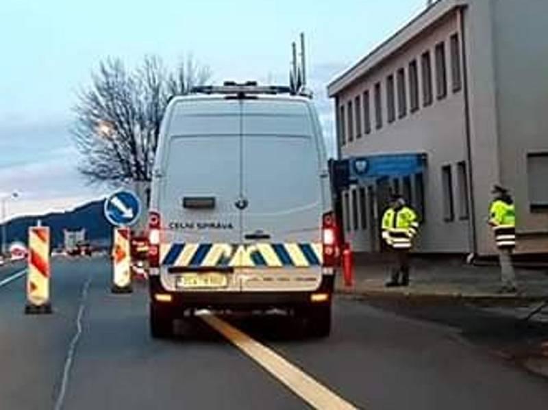 Kontroly zaměřené na měření teploty na hraničním přechodu v Dolním Dvořišti.