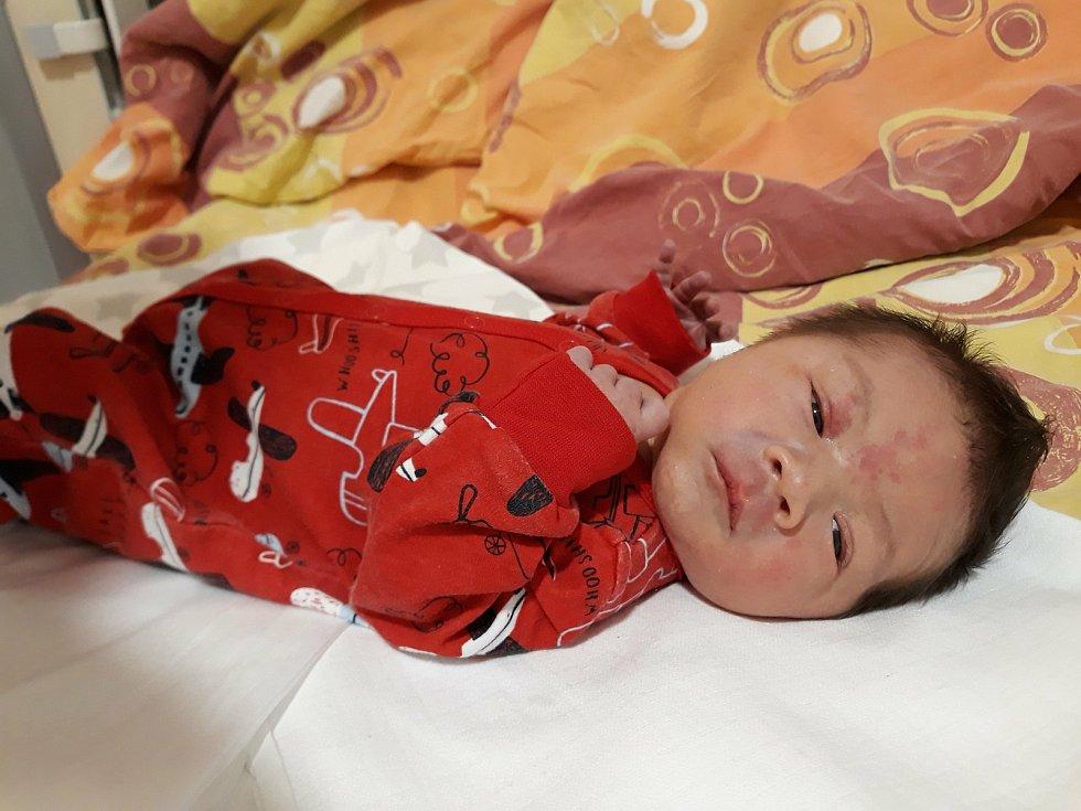 Rodičům Ivaně a Václavu Kochrdovým se 13. 10. 2020 narodil syn Vítek Kochrda. Váha po porodu ukazovala 3,50 kg. Poznávat svět bude v Písku.
