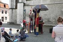 Festival pouličního umění v ČB, 25. - 27. 6. 2014 zahájilo Divadlo Kvelb.