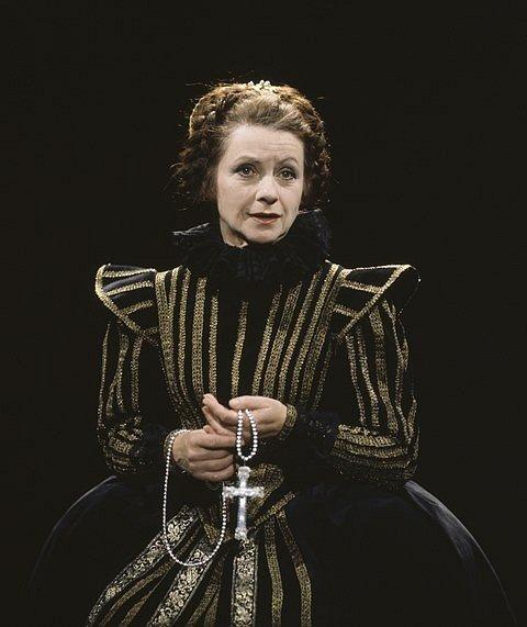 Marie Stuartovna, rok 1995.
