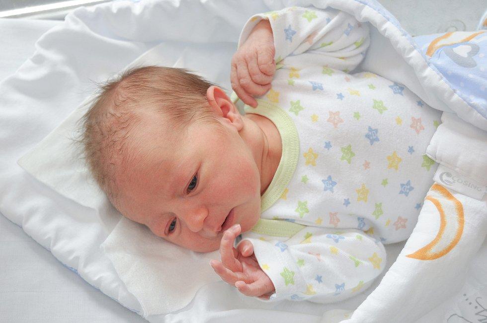 Kateřina Štěrbová z Malenic. Holčička se narodila 22. 7. 2021 ve 22.38 hodin. Při narození vážila 3730 g a bude vyrůstat společně s bráškou Davídkem (2).