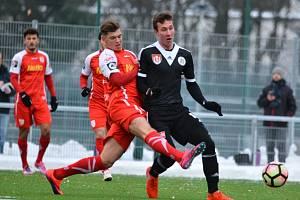 Lukáš Matějka odvedl v Německu dobrý výkon: Regensburg - Dynamo ČB v přípravě 4:2.