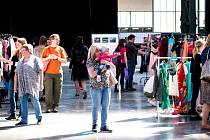 Bazar oblečení. Ilustrační foto