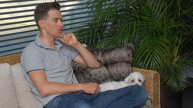 Zdeněk Štybar ve svém belgickém bytě v Essenu
