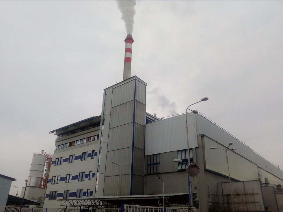 Čistší ovzduší. Třicet až čtyřicet procent energie z budějovické teplárny za dva roky nahradí teplo z Jaderné elektrárny Temelín. Znamená to méně CO₂ a dalších emisí.