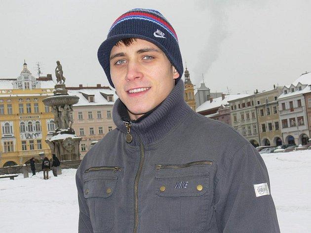 Českobudějovický krasobruslař Petr Bidař prožil premiéru na MS juniorů. S výkonem sportovní dvojice byl spokojen, s Klárou Kadlecovou vyjeli 115 bodů a skončili z jedenadvaceti párů patnáctí.