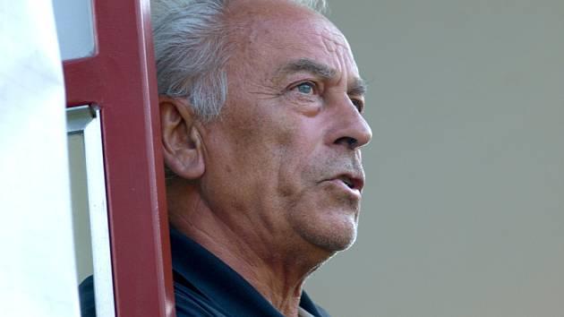 Trenér František Cipro mohl být s výkkonem svého týmu proti Lankaranu spokojen.