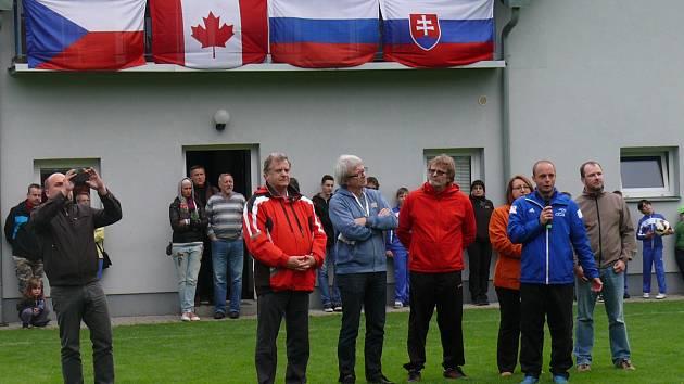 Magic Cup 2015 byl zahájen v Loučovicích