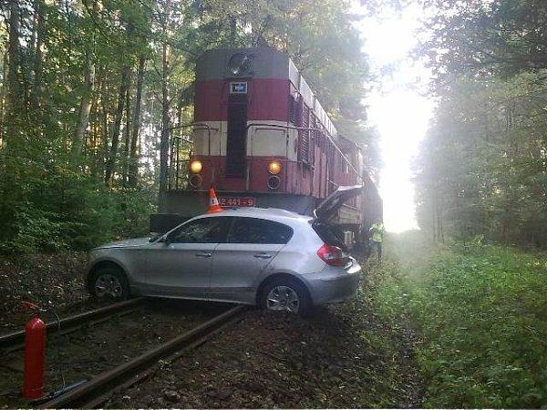 Střet vlaku a osobního automobilu uVrábče na Českobudějovicku.