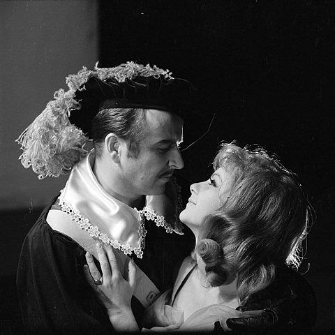 V inscenaci Cyrano z Bergeracu v roce 1968 s Ivanem Kličkou.
