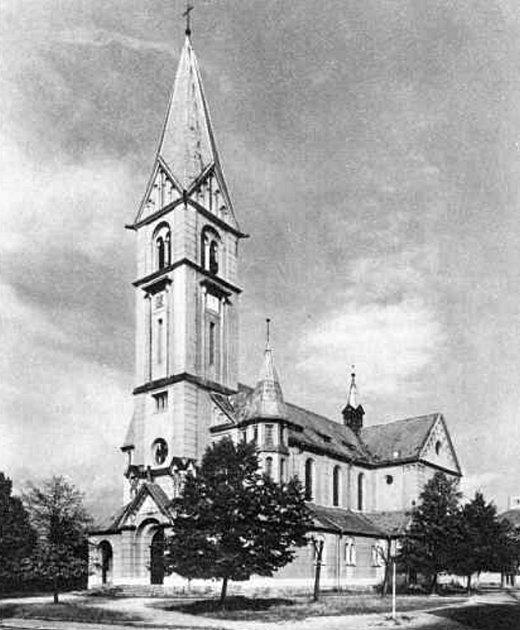 Kostel sv. Jana Nepomuckého kolem roku 1960.