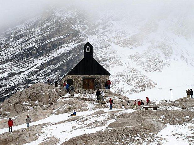 Nejvýše položená kaple vNěmecku, na Zugspitze.