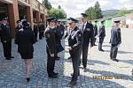 Hasiči převzali z rukou krajského ředitele čestná uznání za práci při pandemii COVID 19.