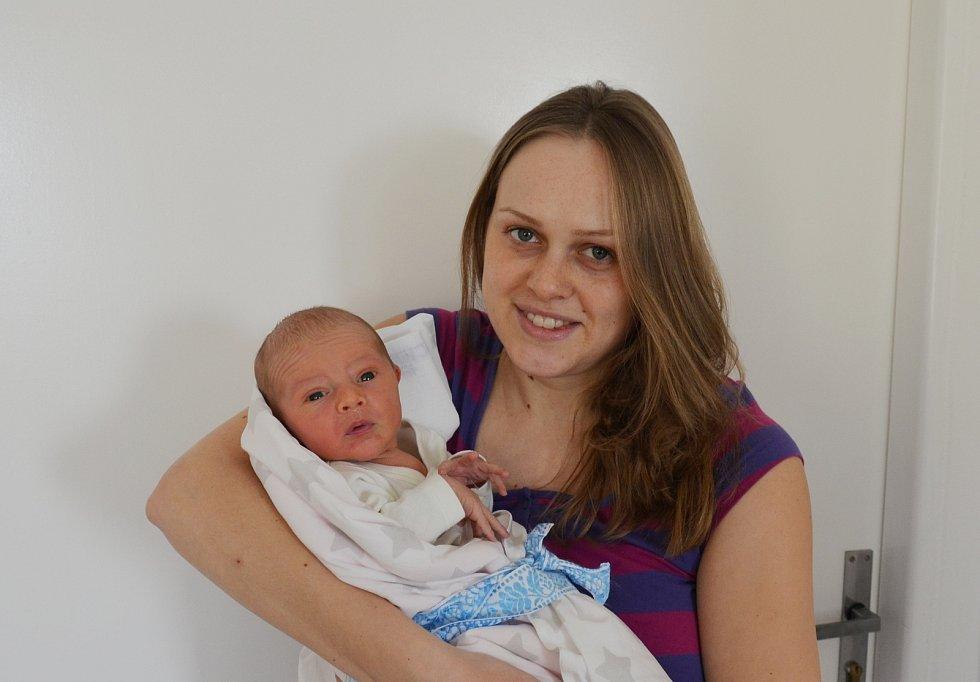 Štěpán Barda z Hrazánek. Prvorozený syn Moniky Kubecové a Jindřicha Bardy se narodil 29. 12. 2020 v 5.24 hodin. Při narození vážil 3650 g a měřil 52 cm.