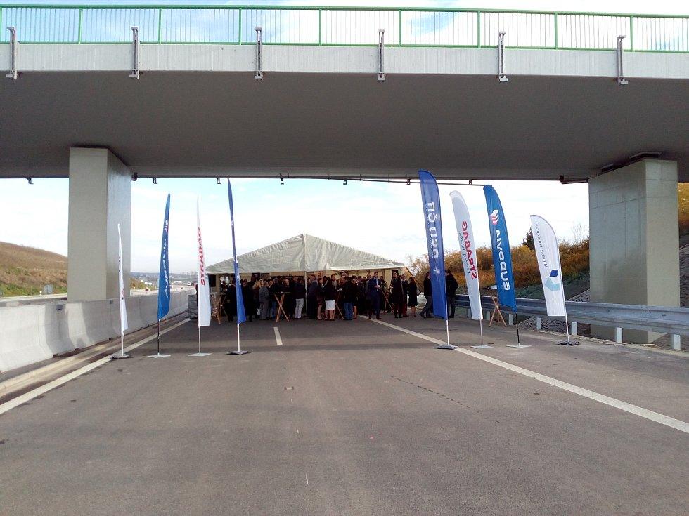 Úsek dálnice Veselí nad Lužnicí - Bošilec je zprovozněn.
