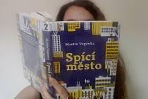 Kniha Spící město se stane předlohou stejnojmenného snímku Dana Svátka. Do komparzu budou obsazeny děti z jižních Čech.