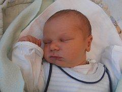 S úctyhodnou porodní váhou 4,70 kg se na svět probojoval chlapec jménem Vojtěch Berit. Stalo se tak přesně 10 minut po 12. hodině v pondělí 16. 3. 2015. Šťastnými rodiči jsou Pavlína a Josef z Českých Budějovic.