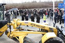 Předseda vlády Bohuslav Sobotka a ministr dopravy Dan Ťok slavnostně zahájili stavbu dvou úseků dálníce D3: Veselí nad Lužnicí – Bošilec a Borek – Úsilné.