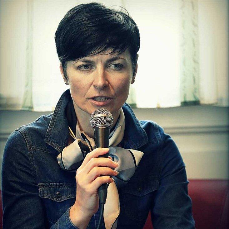 Vrchní státní zástupkyně Lenka Bradáčová byla hostem táborské besedy Právníci v ulici.