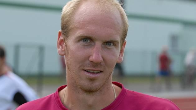 Martin Leština sice zahájil přípravu na sezonu s béčkem Dynama, ale věří, že se probojuje zpět do kádru prvního mužstva.