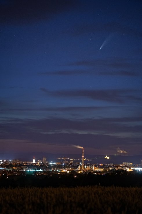 Snímky komety Neowise byly pořízeny 13.7. 2020 poblíž JE Temelín.