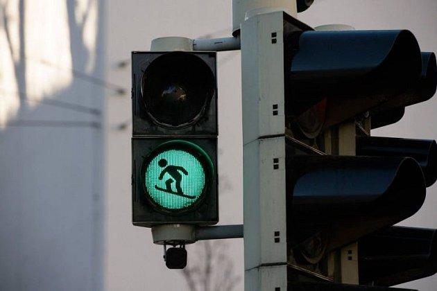 VInnsbrucku jsou na semaforech sportovci.