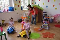Nové prostory na Lannově třídě, které poskytl Mateřskému centru Victory českobudějovický magistrát, ožily barvami a od pondělka jsou plné hraček a dětí.